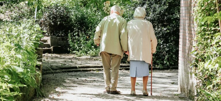 The-benefits-of-staying-active-in-later-years
