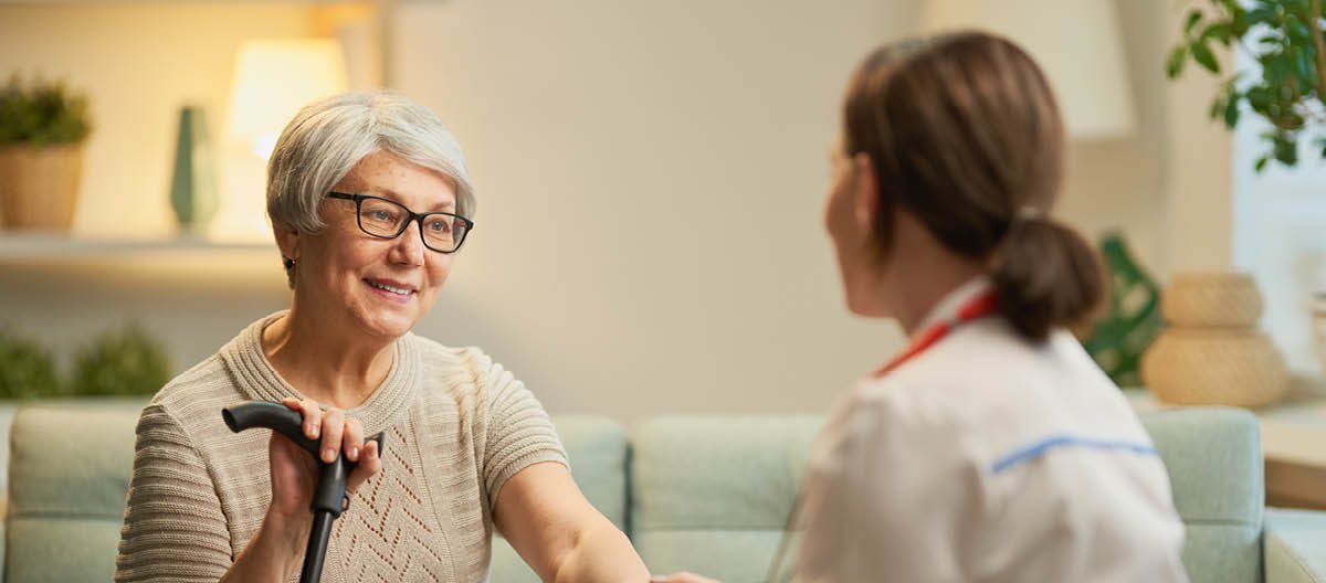caregiver-and-elderly-showing-affection