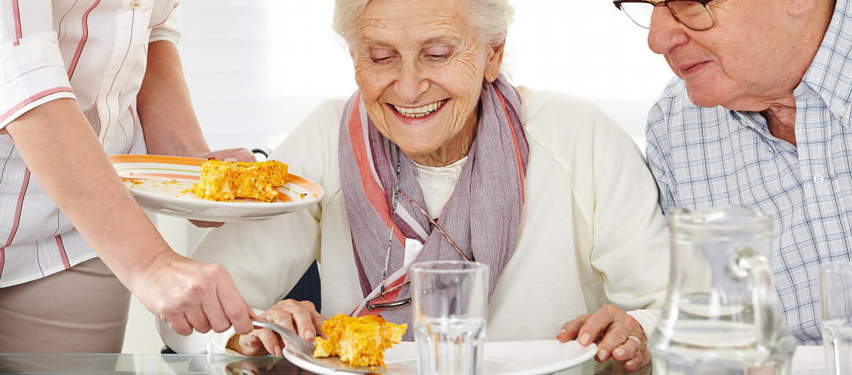 serving-a-meal-on-an-elderly